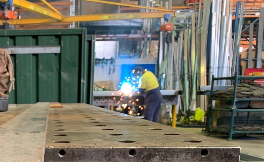 encat-worker-welding