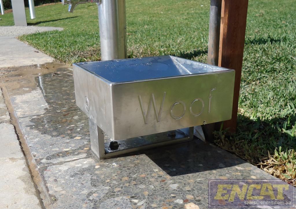 outdoor stainless steel dog bowl for public parks and pathways designed by ENCAT