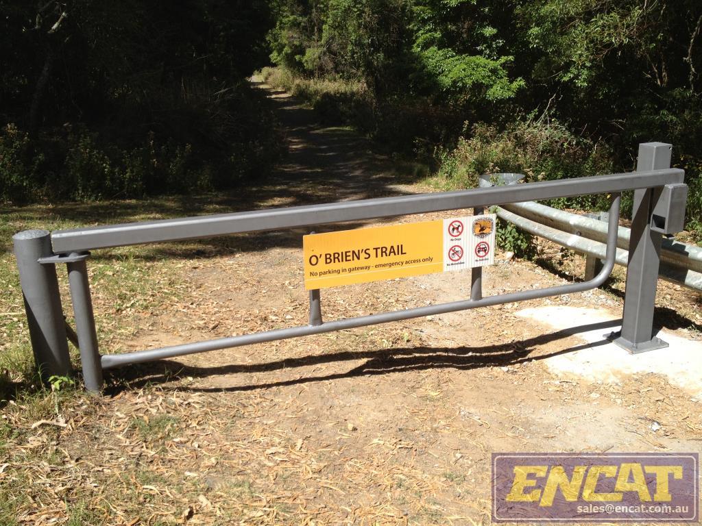 Road Closed / Fire trail gate