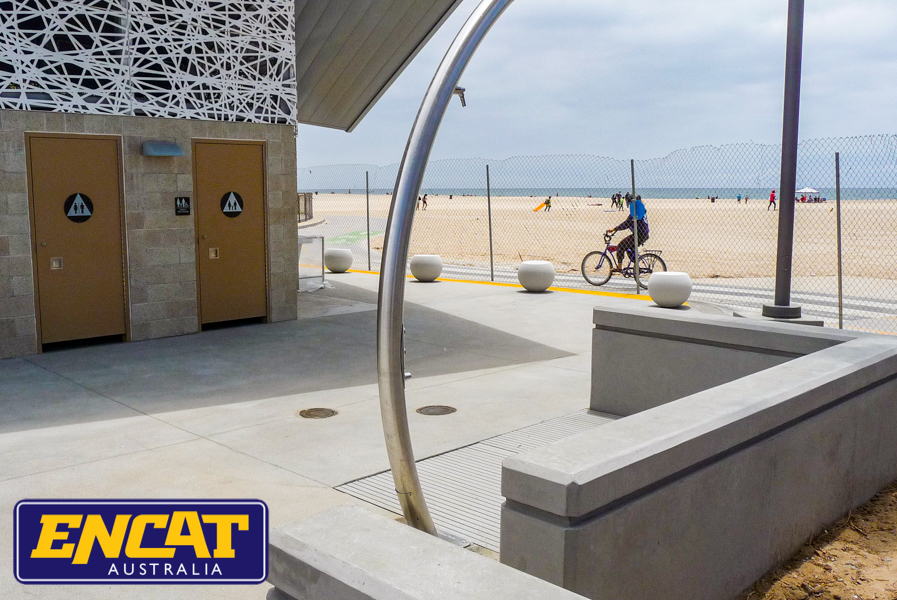 Outdoor-beach-showers-used-at-Venice-Beach-Los-Angeles-designed-by-ENCAT-Australia-shower-manufacturer